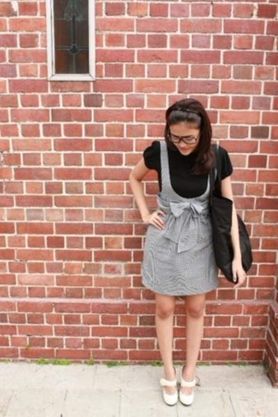 t-shirt - dress - purse - shoes