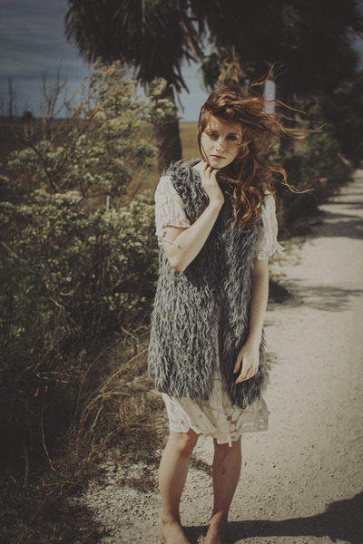 lace unknown dress - fake fur unknown vest