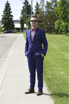 blue H&M suit - red Tommy Hilfiger shirt - red The Tie Bar tie