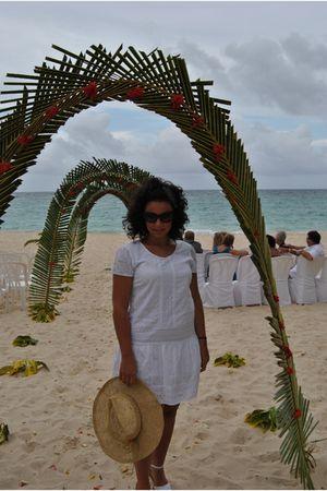 white tantra dress - beige natura hat - white espadriles shoes