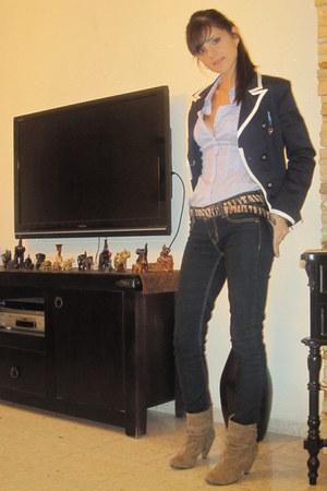 beige no brand boots - dark blue H&M jeans - navy blue Forever 21 blazer - blue