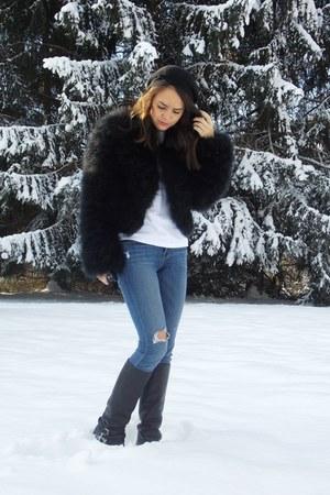 Diane Von Furstenberg coat - Ralph Lauren boots - J Brand jeans