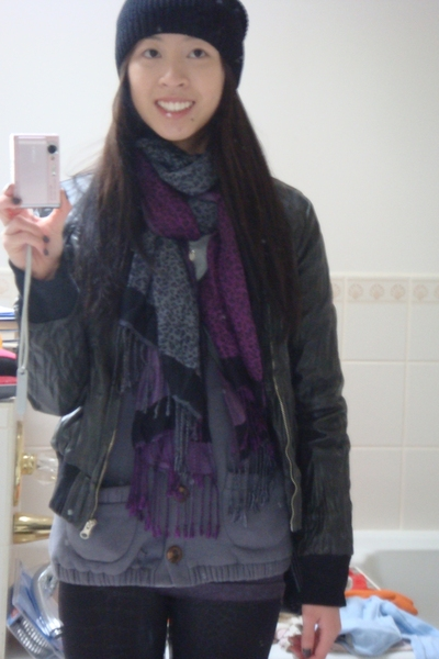 Uniqlo hat - Secondhand jacket - giordano scarf - propaganda sweater - H&amp;M leggi