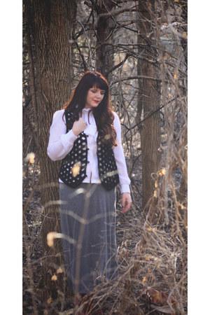 kohls skirt - Shoedazzle boots - vintage vest - vintage blouse