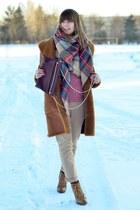 bronze Zara scarf - crimson Zara bag - light brown reserved pants