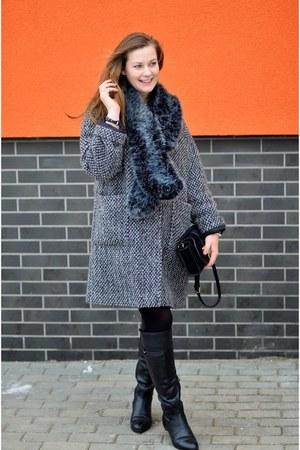 black Zara bag - light orange H&M dress