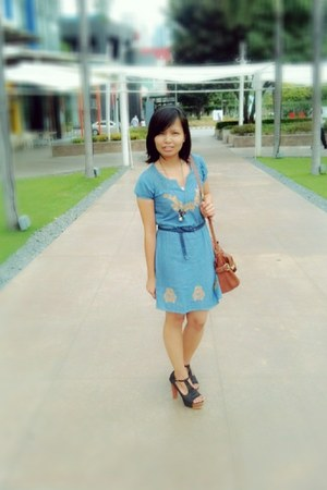 t-square heels shoes - denim dress Cache-cache dress - Aldo bag