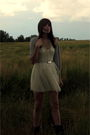 Gray-hat-gray-cardigan-white-dress-silver-belt-necklace-gray-boots