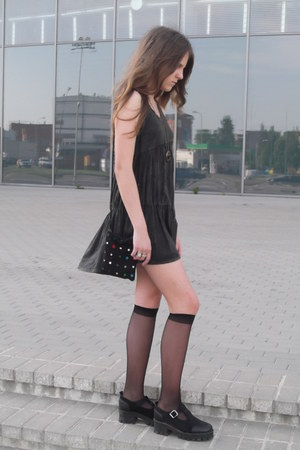 forest green asymmetrical dress - black vagabond boots - black vintage bag