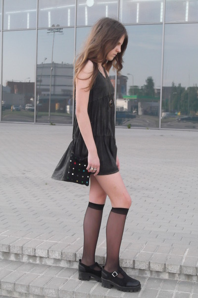 forest green asymmetrical dress - black vagabond boots - black vintage bag