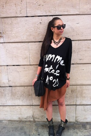 black 5Preview t-shirt - H&M bag - Bershka skirt