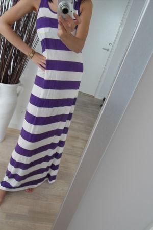 purple H&M dress