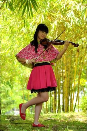 bubble gum lace unbranded skirt - bubble gum batik unbranded cape
