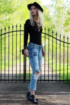 H&M jeans - H&M hat - DressLink bodysuit