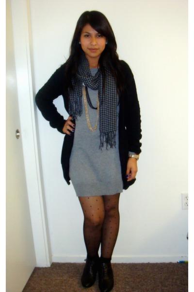 Gray Forever 21 Dresses, Black Cardigans, Charcoal Gray Scarves ...