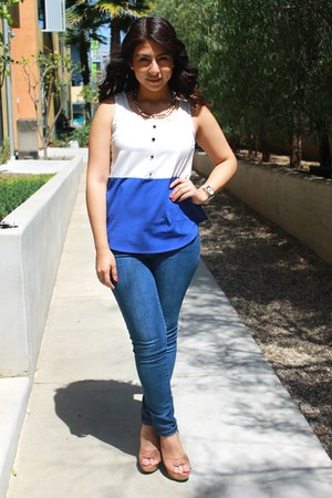 blue top - tan wedges