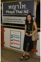 vintage dress - elle bag - crimson Marie Claire belt - bangkok wedges