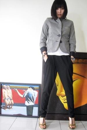 Topshop blazer - Uniqlo t-shirt - Zara pants - Prada