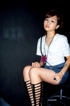 American Apparel shirt - Vintage YSL purse - Urgan OG gladiators shoes - Old jea