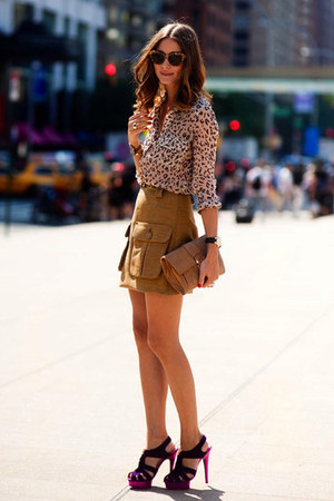 leopard print blouse - light brown suede skirt - black heels
