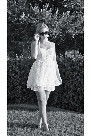 white lace dress - white bow Chanel sunglasses