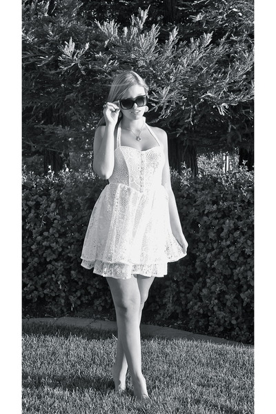 Chanel Sunglasses With White Bow  white lace dresses white bow chanel sunglasses summer daze by
