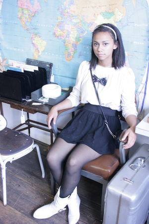 white vintage sweater - black self-made accessories - black Forever 21 skirt - w