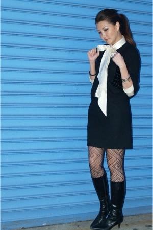 black mini skirt vintage skirt - black black boots Bruno Magli boots