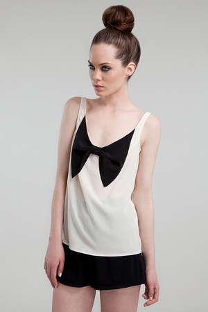 Eve Gravel top