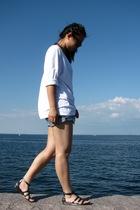 GinaTricot t-shirt - asos shorts - asos shoes - Ray Ban sunglasses