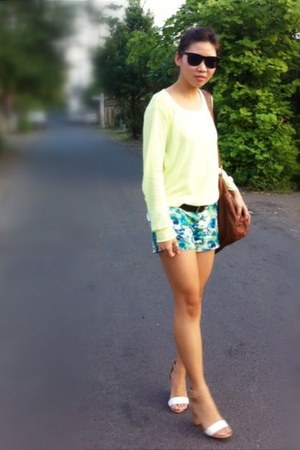 green Forever 21 shorts - white Zara shoes - brown new look bag