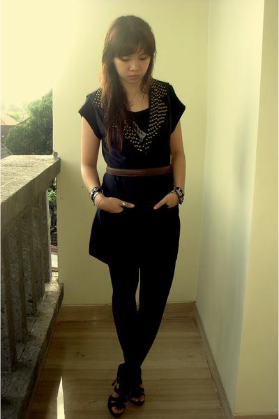 black Bamboo blonde vest - black Zara shoes - brown vintage belt