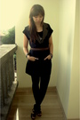 Black-bamboo-blonde-vest-black-zara-shoes-brown-vintage-belt