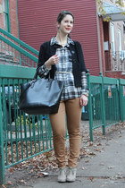 black shopper Zara bag - gray checked Old Navy blouse