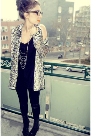 black vintage cardigan - black Miss Selfridges leggings - black Jeffry Campbell