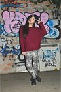 Black-bazaar-hat-crimson-bazaar-sweater-white-bazaar-leggings