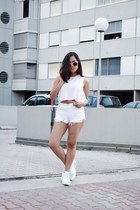 white high-waisted Levis shorts - light pink diy crop top jennyfer top