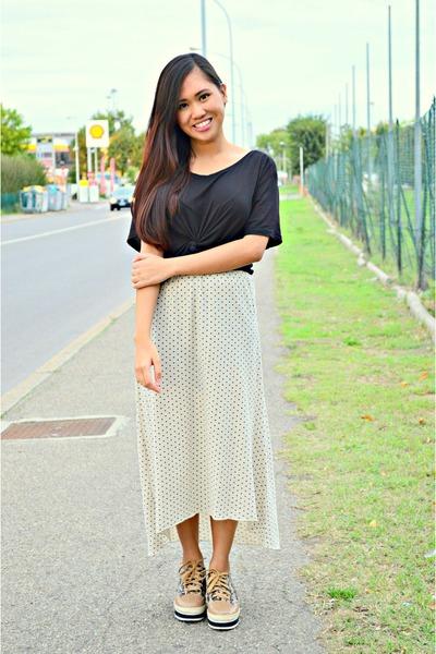 off white Bazaar skirt - black H&M top - bronze Mannika heels
