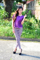 leopard print leggings - chiffon top - lita pumps Parisian heels