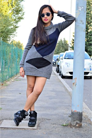charcoal gray dress - deep purple Terranova sunglasses