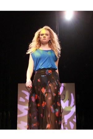 sky blue cliche blouse - black cliche skirt