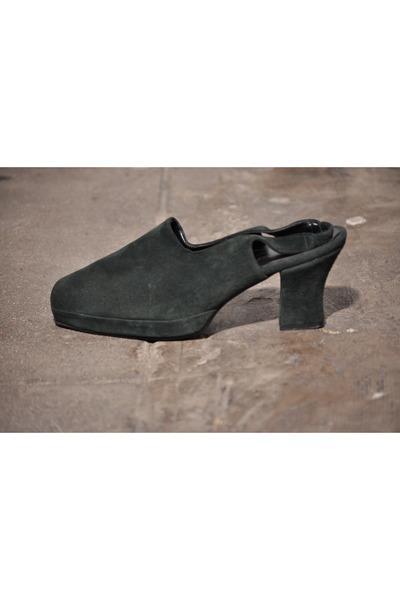 fair season heels
