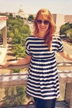 navy striped H&M dress - black leggings - tawny H&M bag