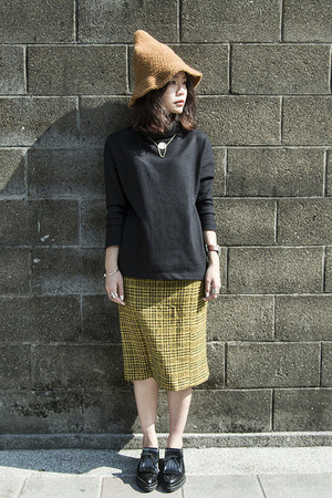 black Zara boots - bronze Galoop hat - black COS sweater - mustard vintage skirt