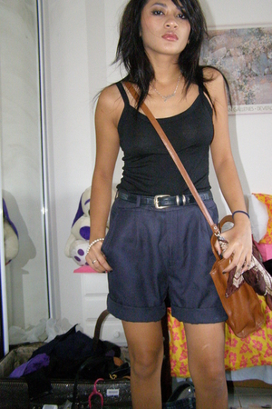 shorts - top - belt