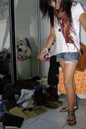 Jay Jays t-shirt - shorts - ForeverNew scarf - Mollini shoes - -