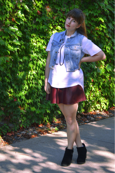 brick red Forever 21 skirt - black suede boots - sky blue denim vest