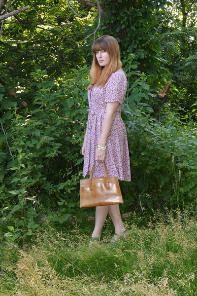 ruby red floral print thrifted vintage dress - camel french thrifted vintage bag