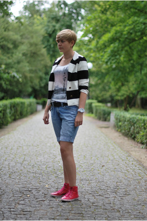 white H&M blazer - sky blue Levis shorts - hot pink TK Maxx sneakers