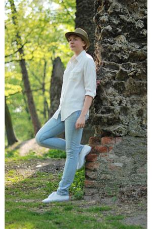 H&M jeans - house hat - lindex shirt